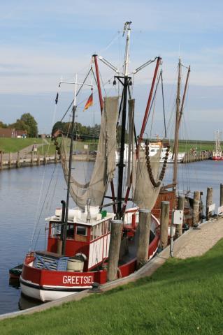 Fischkutter im Greetsieler Hafen